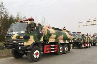 东风沙漠越野消防车