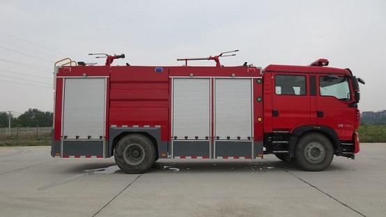干粉消防车