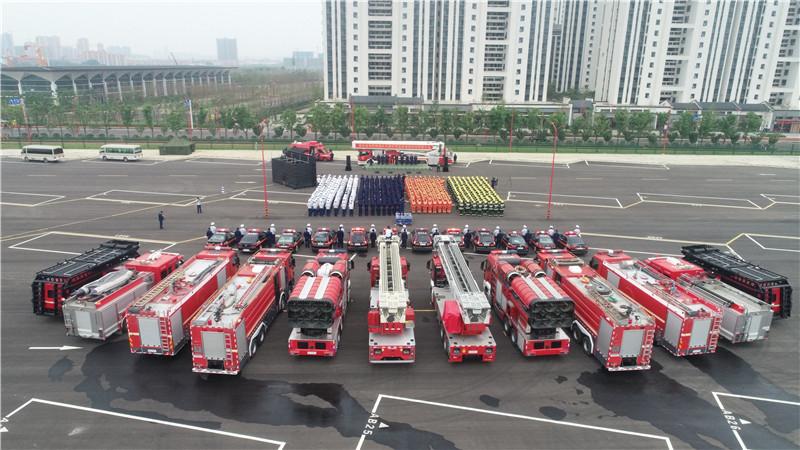 消防车动员现场